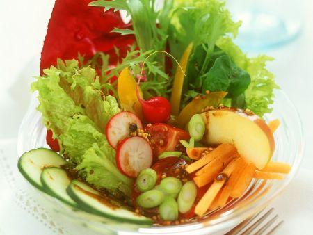 Blattsalat mit Gemüse