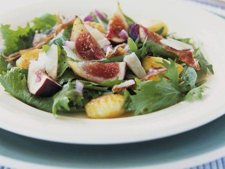 Blattsalat mit Gnocchi und Feigen