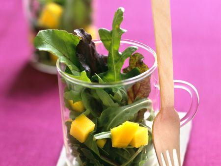 Blattsalat mit Mango