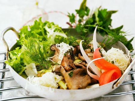Blattsalat mit Pilzen
