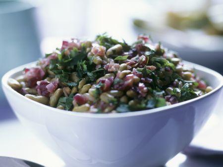 Bohnen-Zwiebel-Salat mit Petersilie