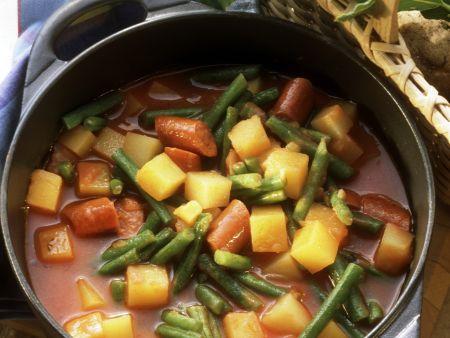 Bohneneintopf mit Wurst und Kartoffeln