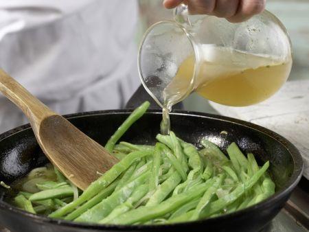 Bohnengemüse mit Schnitzel: Zubereitungsschritt 10