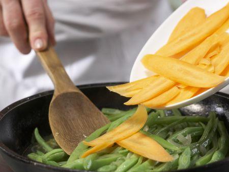 Bohnengemüse mit Schnitzel: Zubereitungsschritt 11