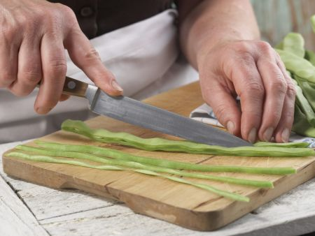 Bohnengemüse mit Schnitzel: Zubereitungsschritt 3