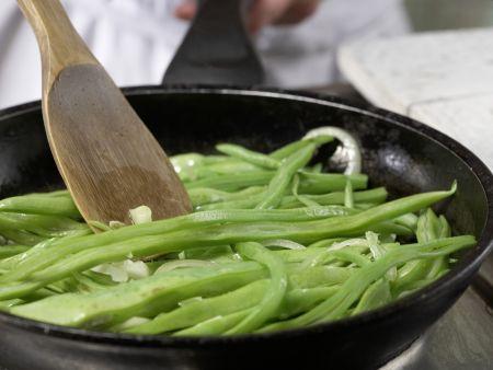Bohnengemüse mit Schnitzel: Zubereitungsschritt 9