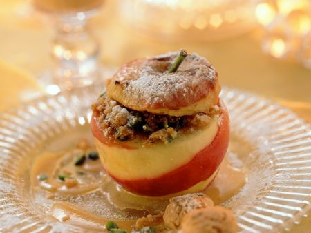 Bratapfel mit beschwipster Pistazien-Füllung