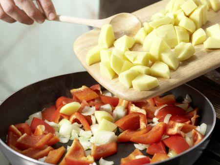Braten mit Paprika-Kartoffeln: Zubereitungsschritt 10