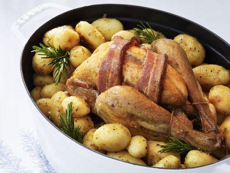 Brathähnchen mit Speck und Baby-Kartoffeln