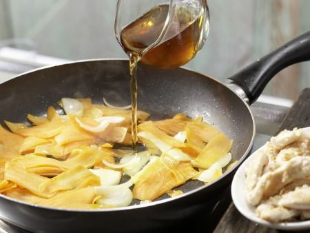 Brennnessel-Hähnchen-Wraps: Zubereitungsschritt 6