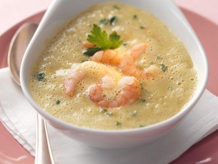 Brokkolisuppe mit Shrimps