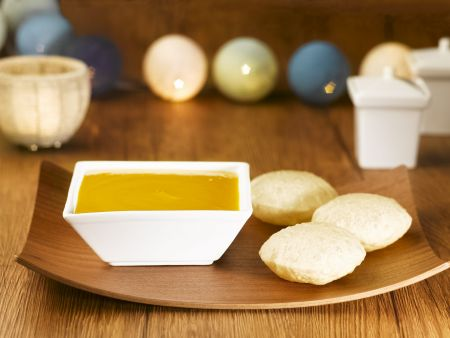 Brot nach indischer Art (Puri) mit Mangodip