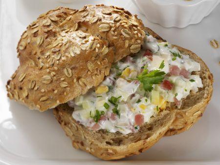 Rezept: Brotaufstrich aus Joghurt und Lachsschinken