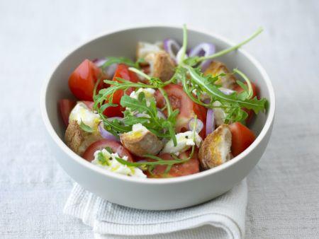 Brotsalat mit Tomaten und Rauke
