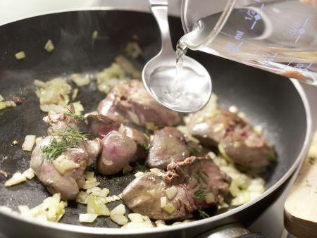 Brottaler mit Walnuss-Leber-Creme: Zubereitungsschritt 3