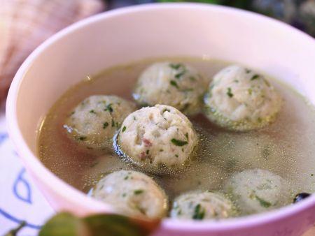 Rezept: Brühe mit Fischbällchen