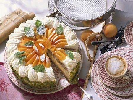 Buchweizen-Joghurt-Torte mit Aprikosen