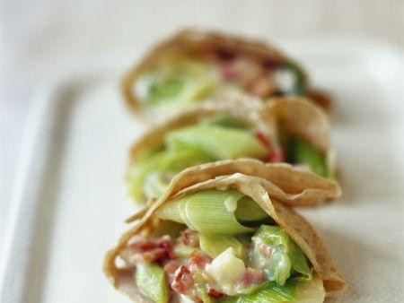 Buchweizencrêpes mit Porree-Käse-Füllung