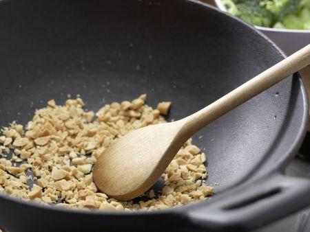 Bulgurpfanne mit Erdnüssen: Zubereitungsschritt 6