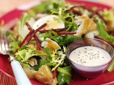 Bunter Blattsalat mit Räuchermakrele