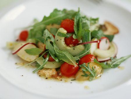 Bunter Gemüse-Minz-Salat