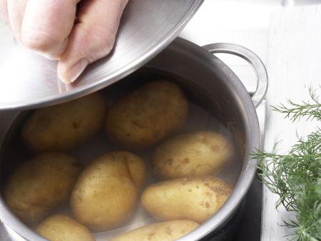 Bunter Kartoffel-Hering-Salat: Zubereitungsschritt 1