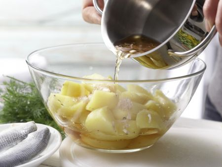 Bunter Kartoffel-Hering-Salat: Zubereitungsschritt 4