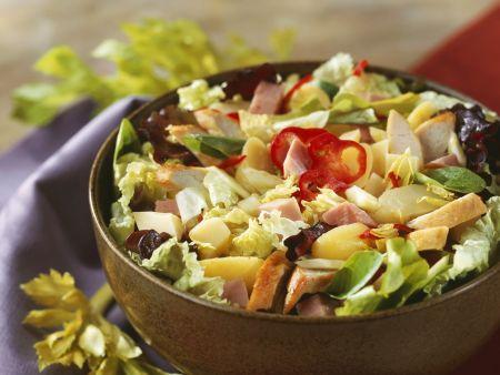 bunter salat mit h hnchenbrust kartoffeln und schinken rezept eat smarter. Black Bedroom Furniture Sets. Home Design Ideas
