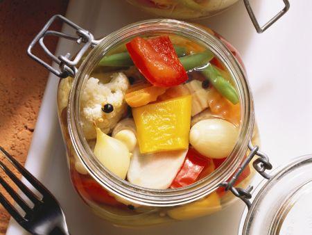 Rezept: Buntes eingelegtes Gemüse