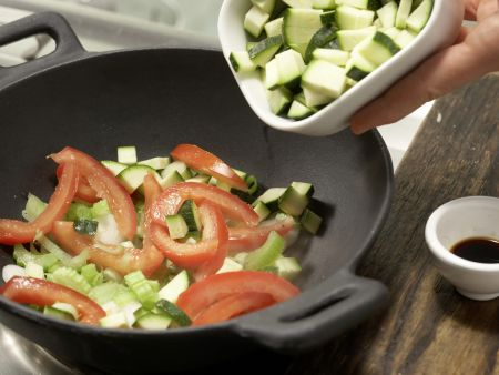 Buntes Wok-Gemüse: Zubereitungsschritt 3