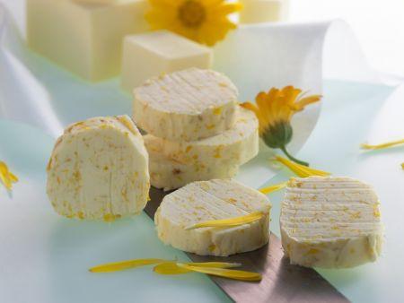 Butter mit Ringelblumen