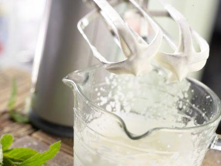 Buttermilch-Limetten-Creme: Zubereitungsschritt 5