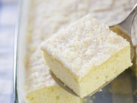 Rezept: Buttermilchkuchen mit Zitrone