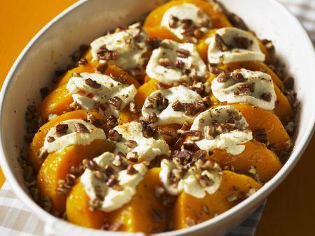 Butternut-Kürbis mit Marshmellows und kandierten Nüssen