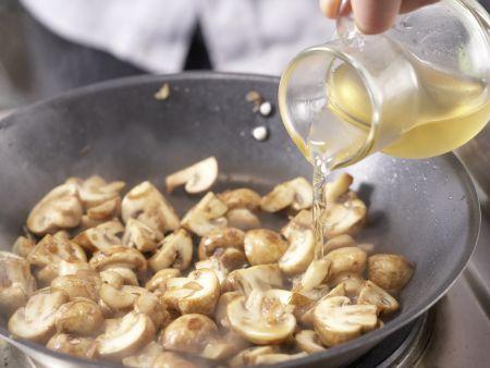 Champignons à la crème: Zubereitungsschritt 7