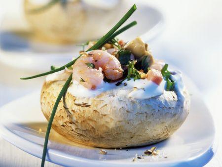 Champignons mit Krabbenfüllung