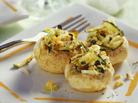 Champignons mit Zucchinifüllung