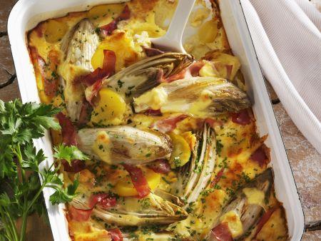 Rezept: Chicorée-Kartoffel-Gratin mit Schinken