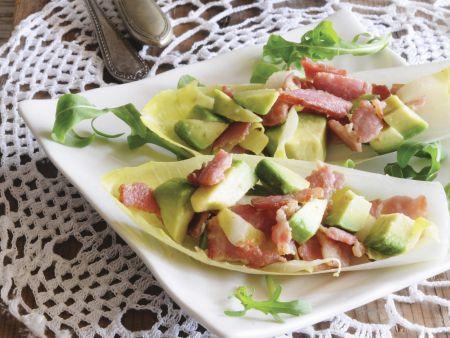Chicorée mit Speck und Avocado