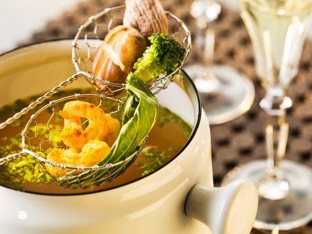 chiesisches fondue mit br he rezept eat smarter. Black Bedroom Furniture Sets. Home Design Ideas