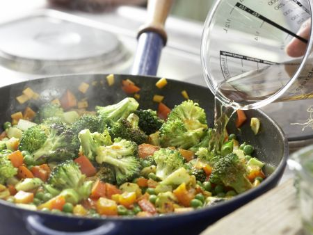 Couscous-Gemüse-Pfanne: Zubereitungsschritt 7