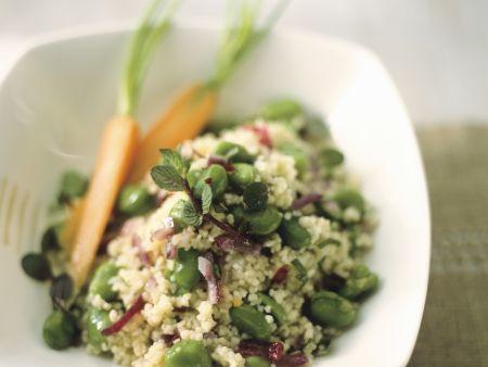 Couscous mit roten Zwiebeln und dicken Bohnen