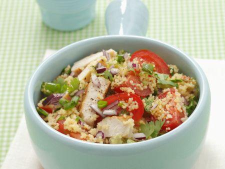 Couscoussalat mit Hähnchen und Tomaten