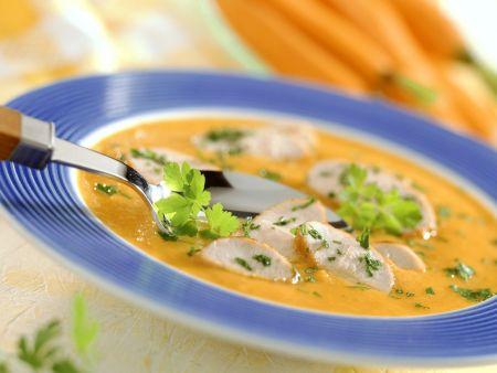Cremige Karottensuppe mit Putenbrust
