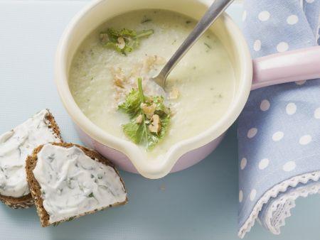 Cremige Kohlrabi-Apfel-Suppe