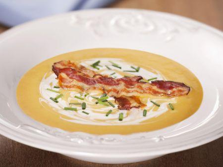 Cremige Kürbissuppe mit Bacon