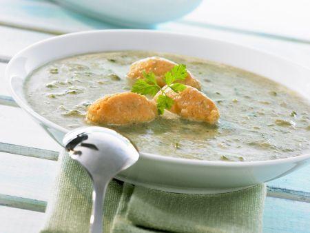 Rezept: Cremige Mangoldsuppe mit Käse-Paprika-Nockerl