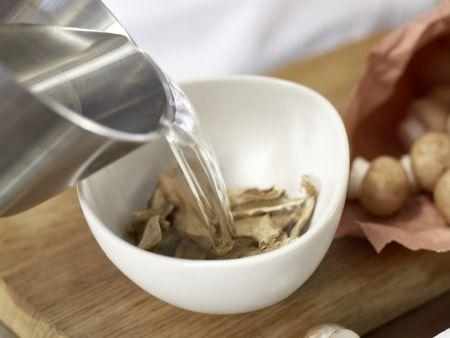 Cremige Pilzsuppe – smarter: Zubereitungsschritt 1