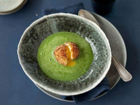 Rezept: Cremige Spinatsuppe mit gebackenem Ei