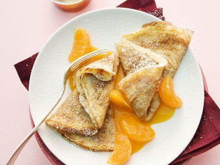 Crêpes mit Mandarinen und Hagebutten